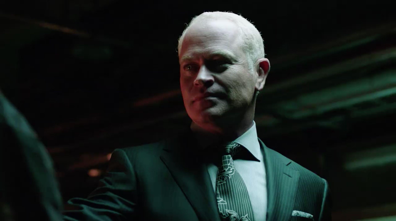 Damien Darhk viene por Oliver en el 9no episodio de Arrow