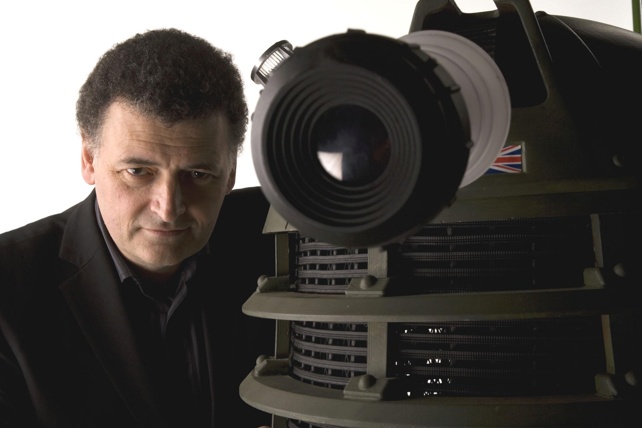 Steven Moffat abandona Doctor Who