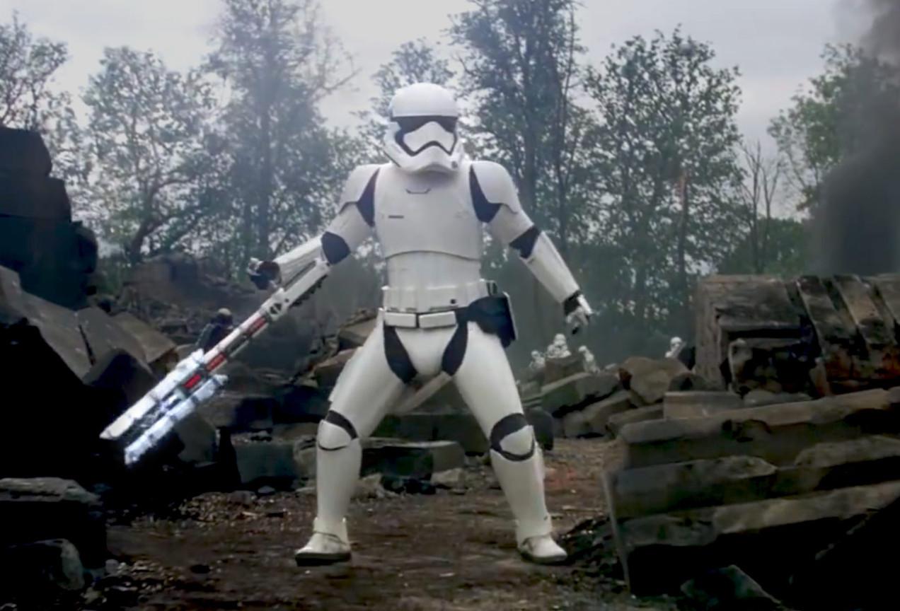 Conoce a FN-2199, mejor conocido como TR-8R, el stormtrooper meme