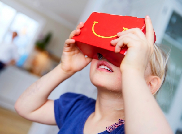 Cajitas felices de Suecia se convierten en dispositivos de realidad virtual