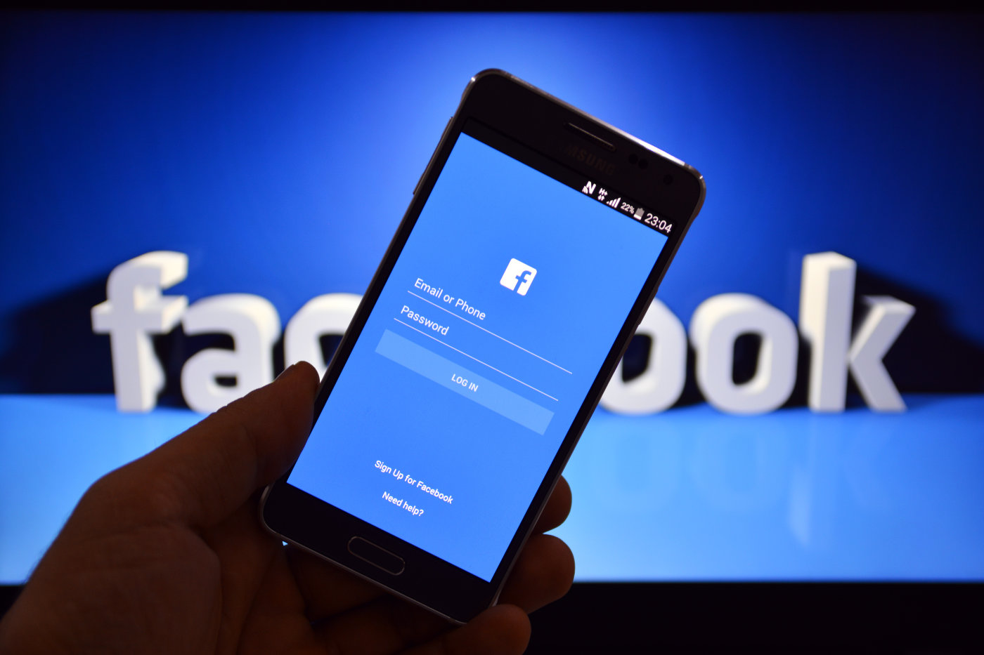 Facebook pagó 15.000$ por detectar un problema en su seguridad