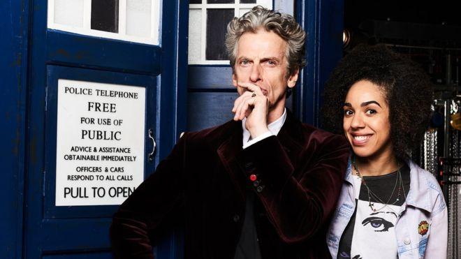 Pearl Mackie será la nueva compañera del Doctor