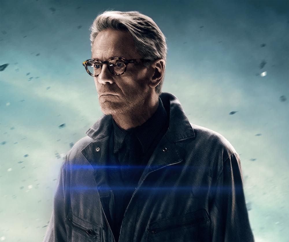 Jeremy Irons volverá como Alfred en Justice League
