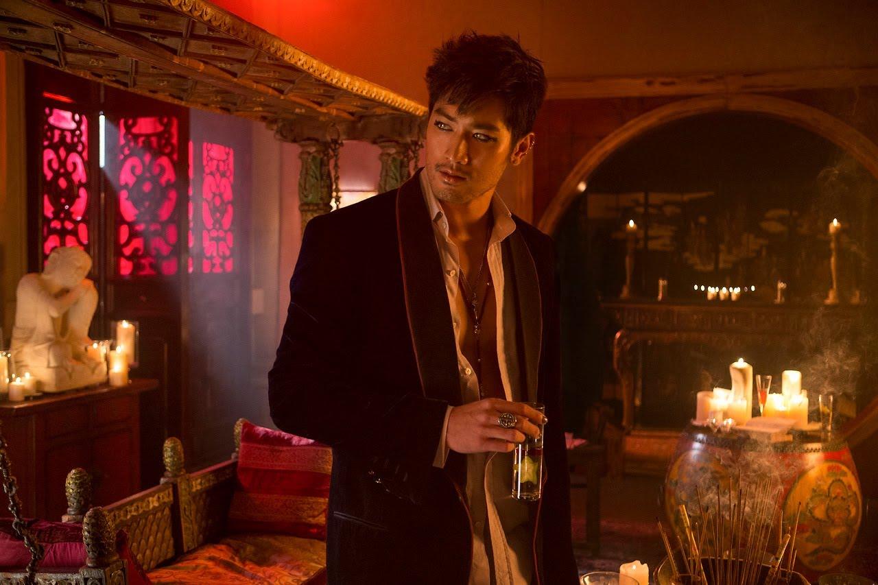 Cassandra Clare escribirá trilogía para adultos de Magnus Bane