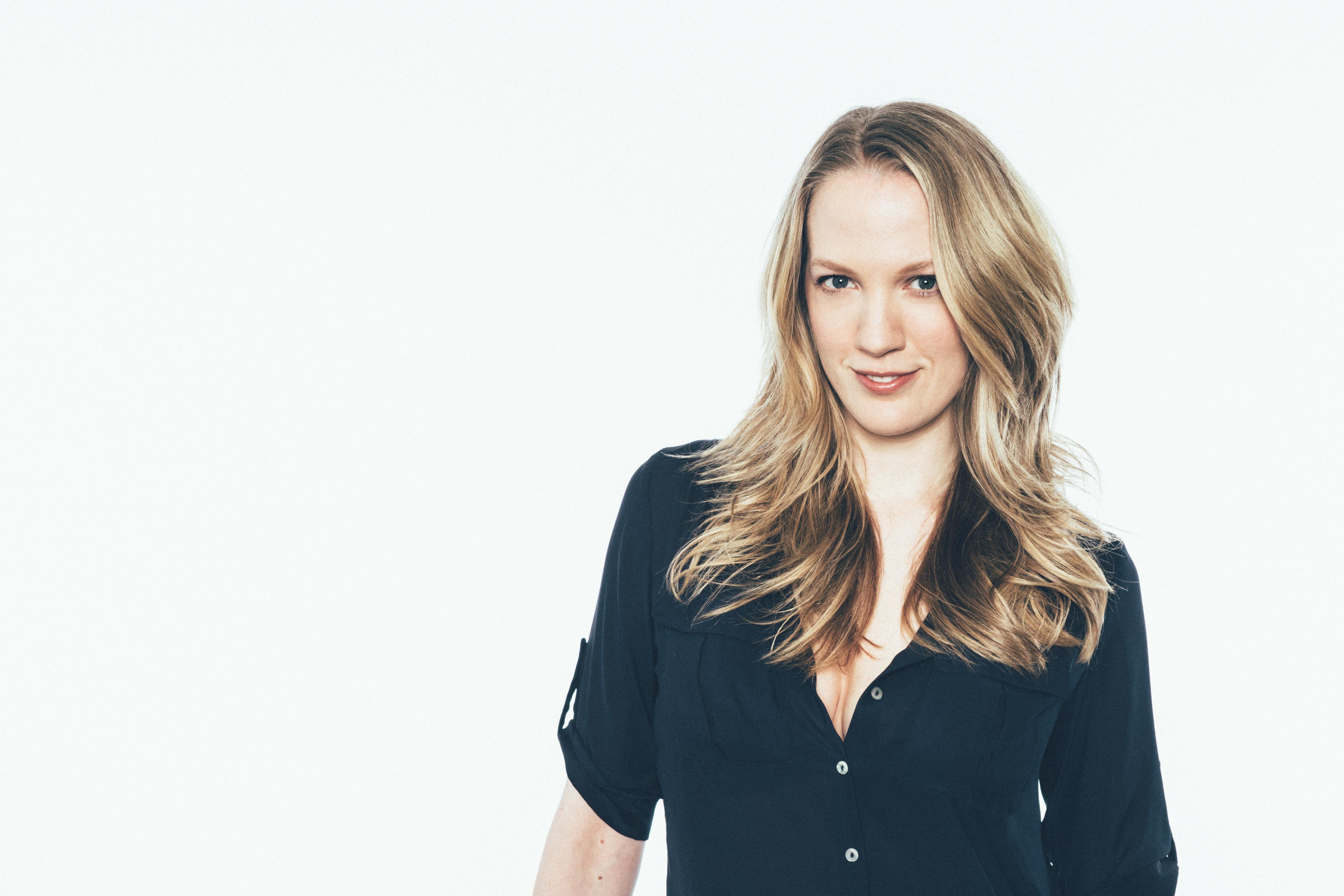 Emily Carmichael dirigirá película de Lumberjanes