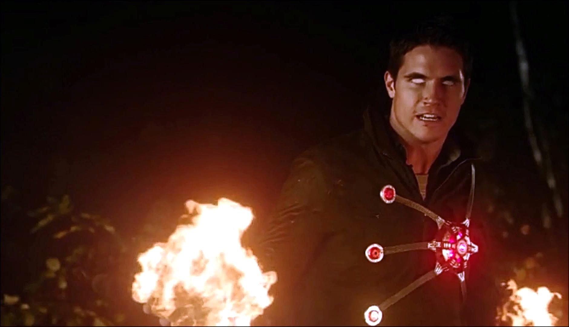 Robbie Amell habla un poco sobre su regreso a The Flash