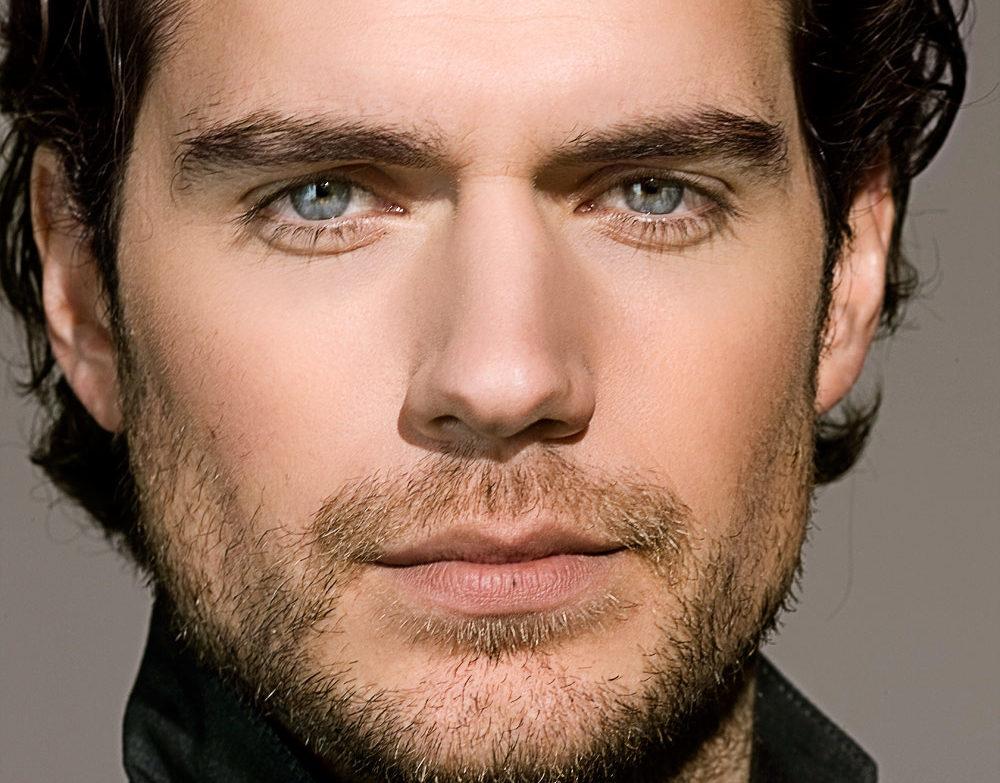 Henry Cavill se une a Tom Cruise para Misión Imposible 6