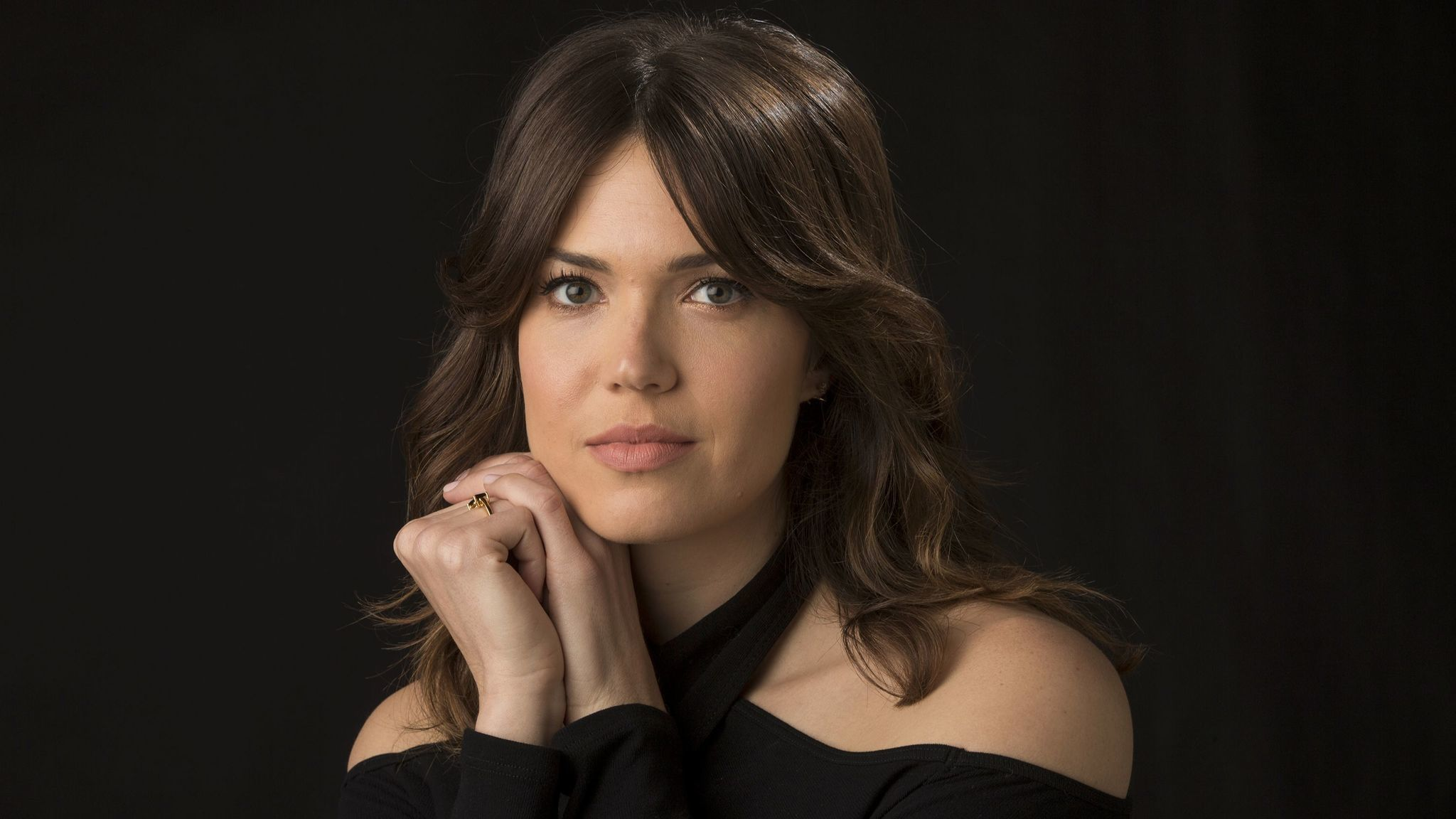 Mandy Moore se une a adaptación de The Darkest Minds